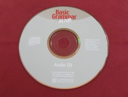 Basic Grammar in use CAMBRIDGE Audio CD.JPG